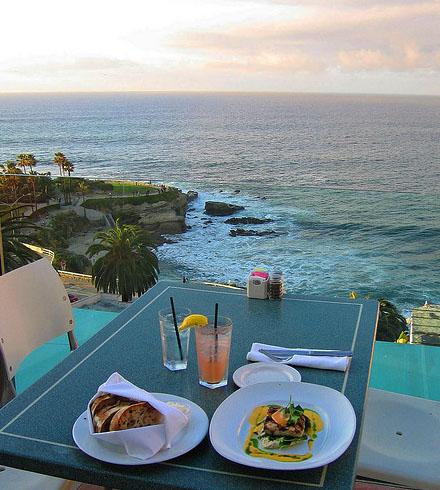 Vista do restaurante George's at the Cove. Foto: AMagill, Flickr